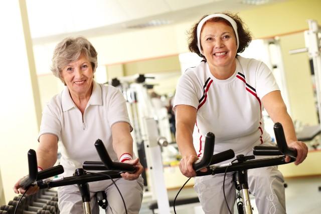 Academia de musculação para idosos
