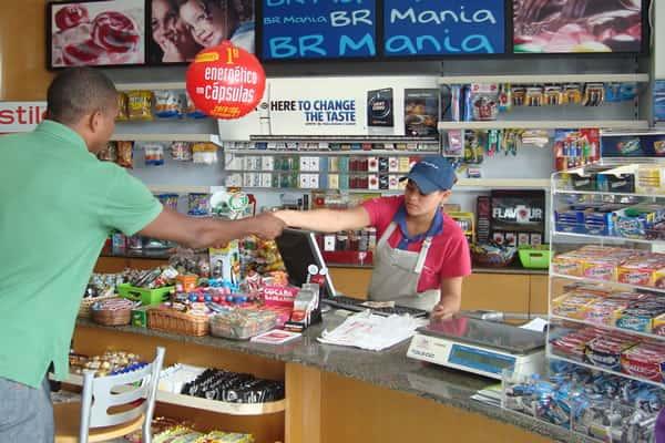 Atendente de loja de conveniência o que faz